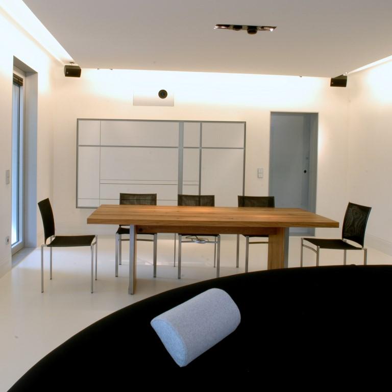 Zwinz einrichtung planung esszimmer geschirrschrank tisch for Planung einrichtung