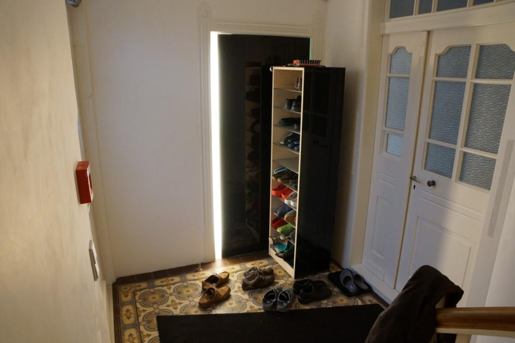 Schuhschrank offen schuhschrank unter offener treppe for Planung einrichtung