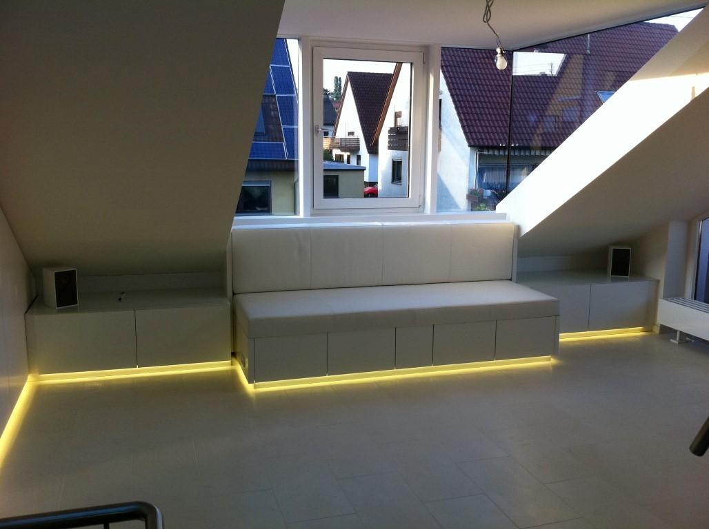 sofa mit beleuchtung fabulous sitzer leder sofa clermont mit led beleuchtung von nativo. Black Bedroom Furniture Sets. Home Design Ideas