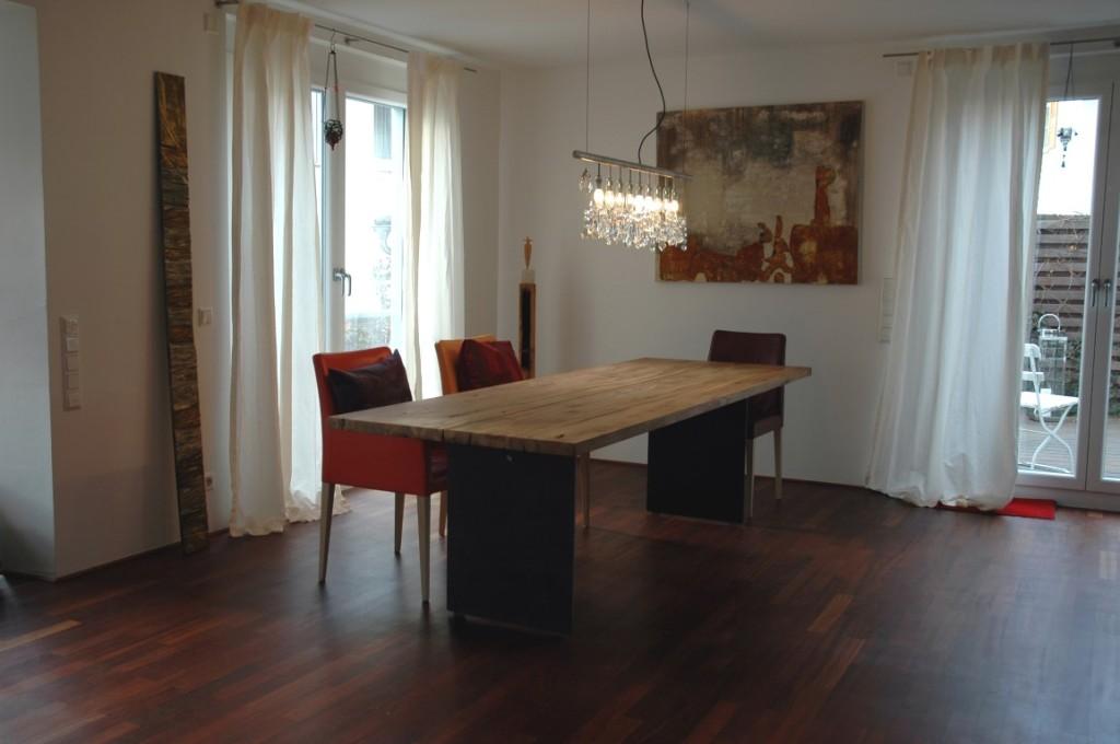 zwinz tisch eiche massiv altholz stahl rostig echt zwinz. Black Bedroom Furniture Sets. Home Design Ideas