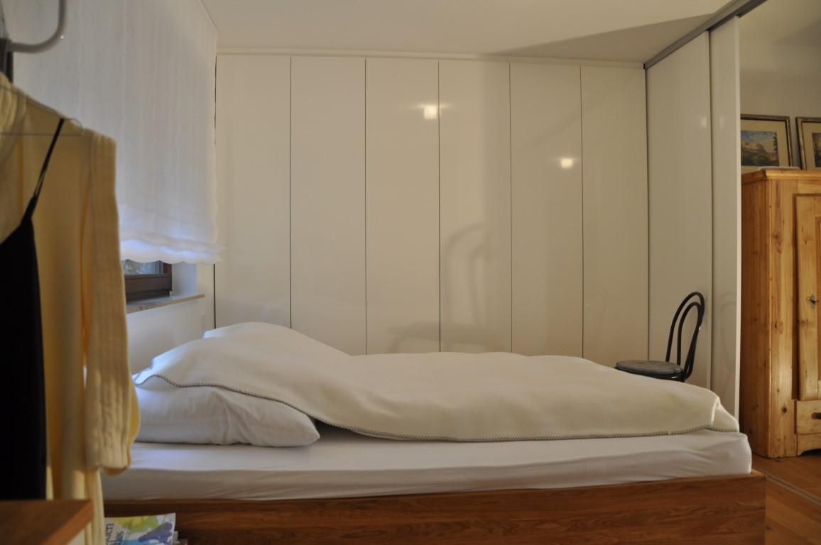 Zwinz Umbau Einrichtung Schlafzimmer Bett Eiche massiv Einbauschrank ...