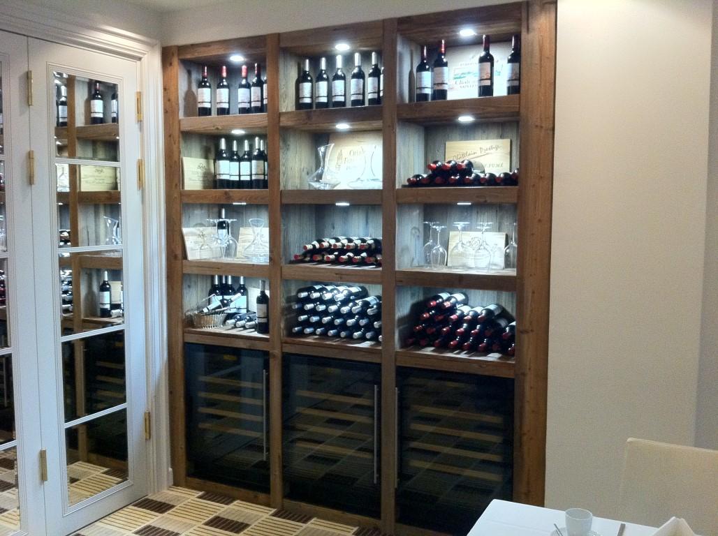 Zwinz Wein Regal Präsentation Altholz › Echt Zwinz