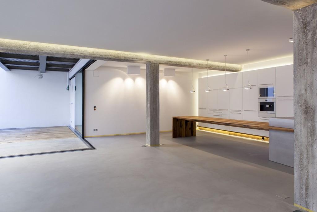 zwinz loft panorama fenster esstisch eiche altholz k che. Black Bedroom Furniture Sets. Home Design Ideas
