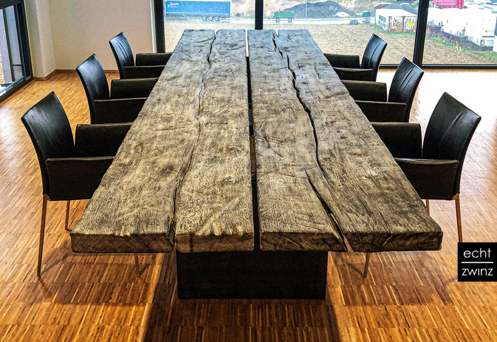 Yakisugi Konferenz-Tisch Eiche mit Stahl