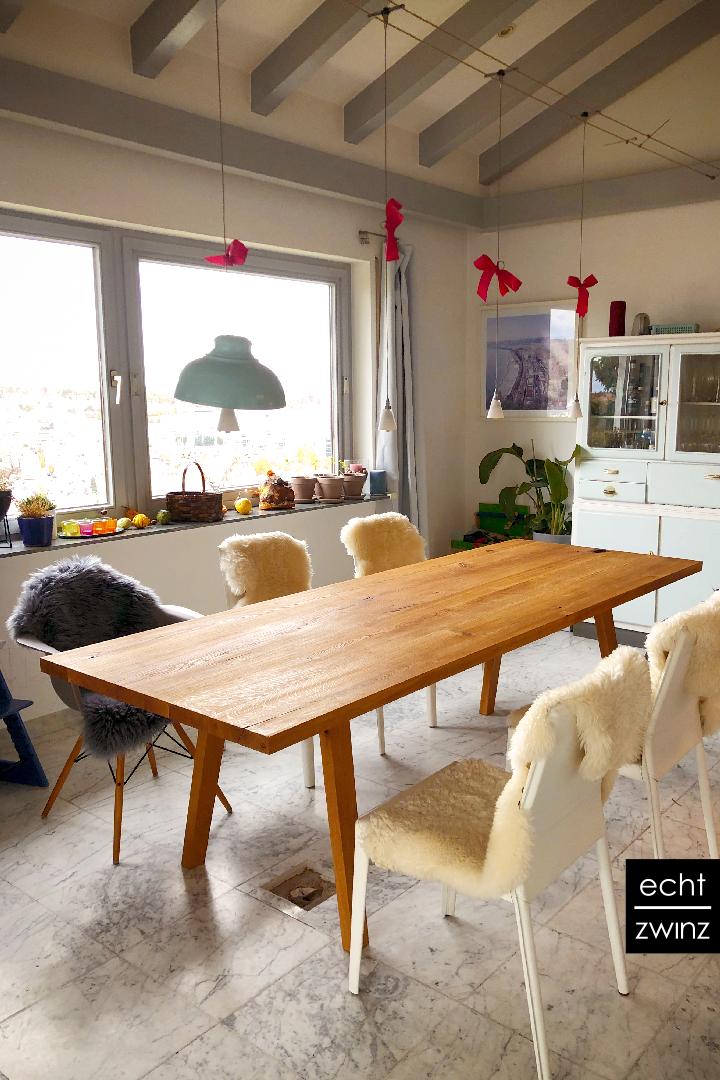 Esstisch aus Wildeiche fürs Wohn- und Esszimmer