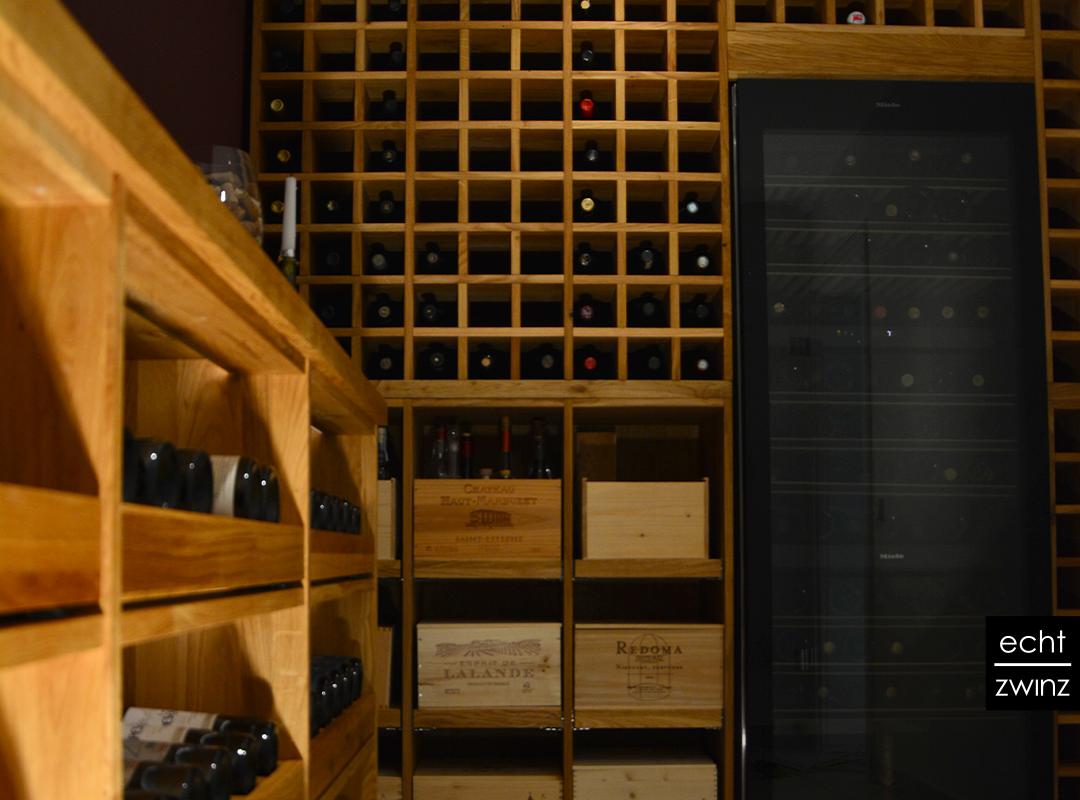 Weinkeller aus Eiche mit Weinregal, Weinflaschenauszug, Weinklimaschrank und Weinkistenauszügen